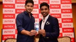 Keshav Bansal, Director - Intex Technologies (Right) and Mahesh Babu (Le... (1)