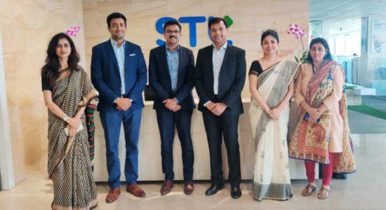 STL and World Bank representatives